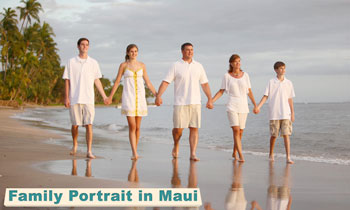 family portrait on maui with grins2go